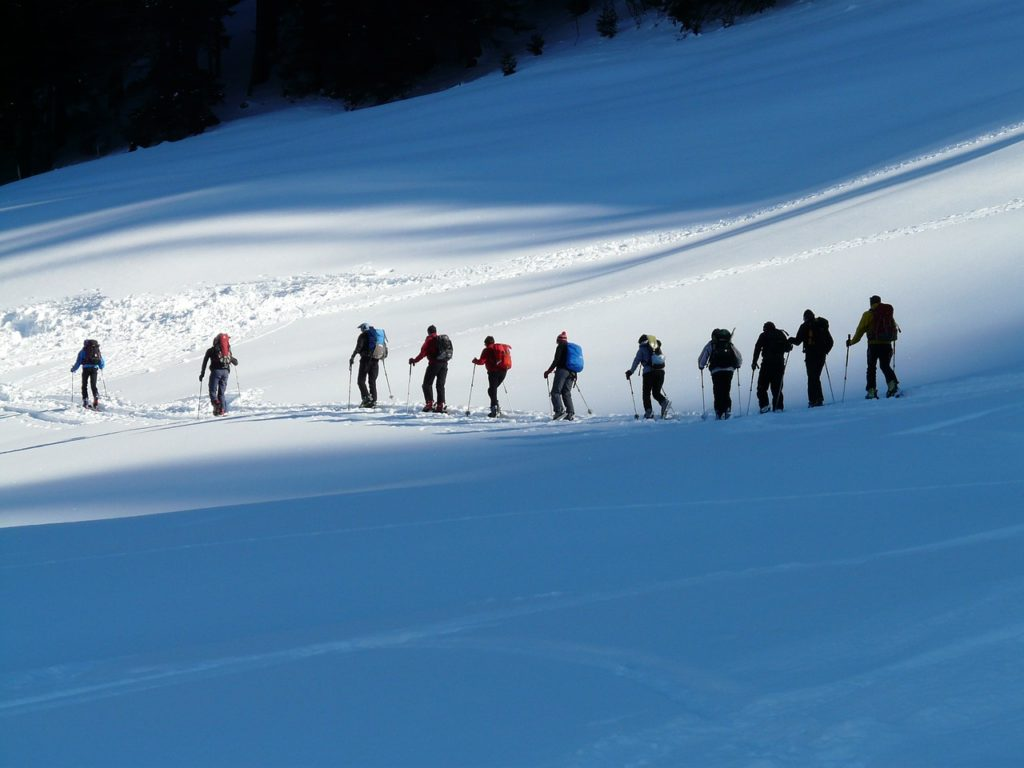 backcountry-skiiing-16154_1280